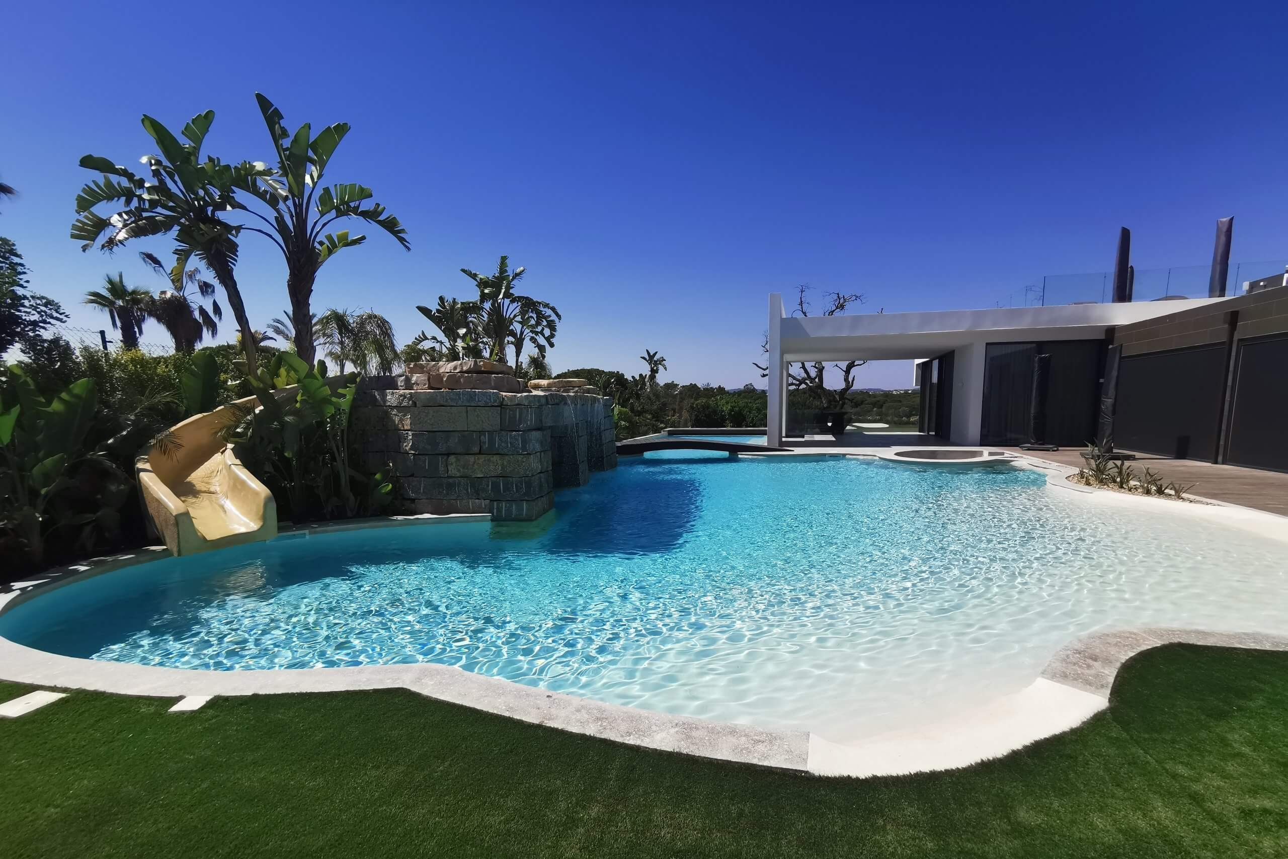 Private Pool 4